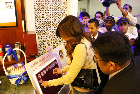 Bollywood celebrity and former miss universe sushmitha sen meets miss universe sushmitha sen meets greets patients at thumbay hospital ajman m4hsunfo